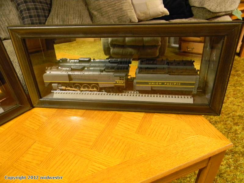 Shadow Box Pic Diorama Turned Engine Display Case | O Gauge
